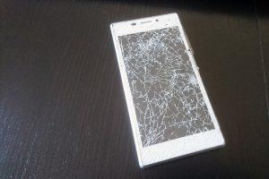 écran cassé téléphone portable